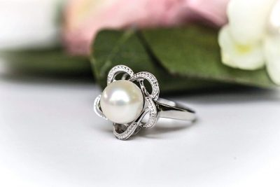 white pearl rings for women