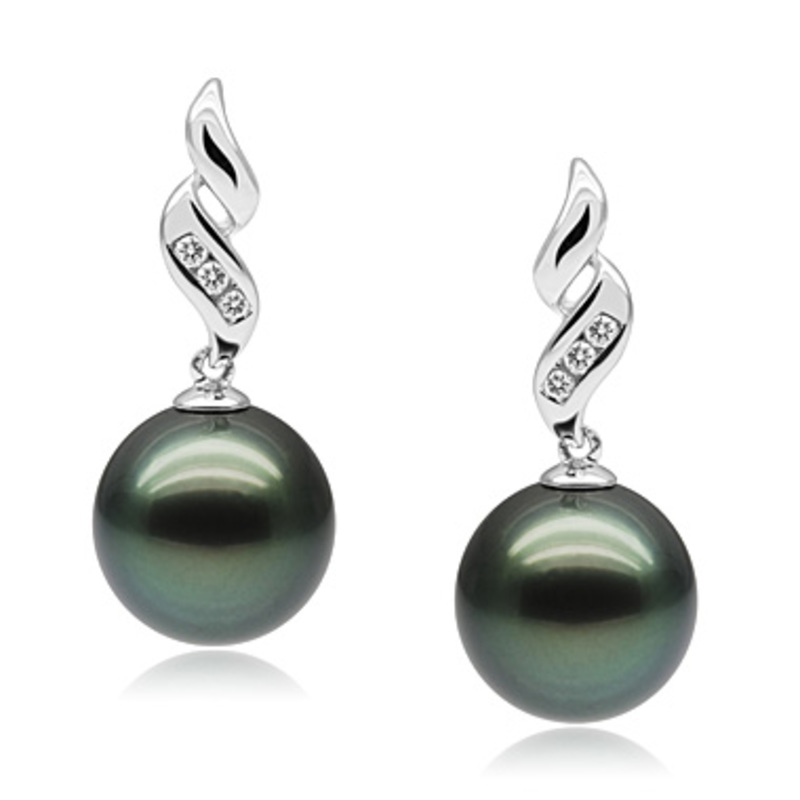 9-11mm AAA Quality Tahitian Cultured Pearl Set in Seductive Black