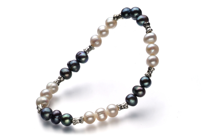6-7mm A Quality Freshwater Cultured Pearl Bracelet in YinYang Black